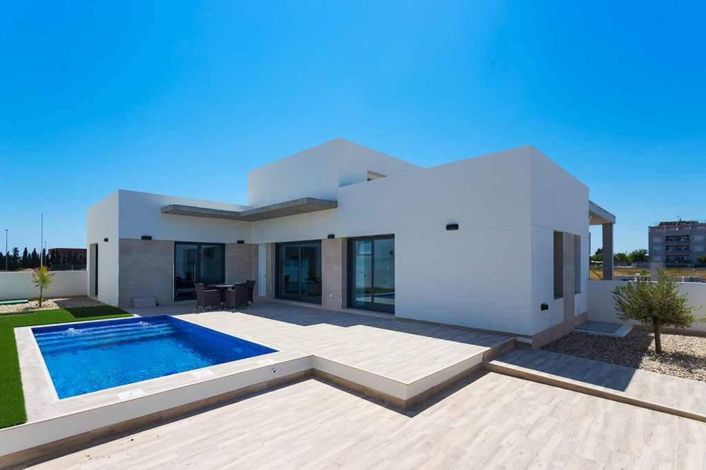 Maison moderne, 3 chambres, piscine, daya nueva, en Espagne