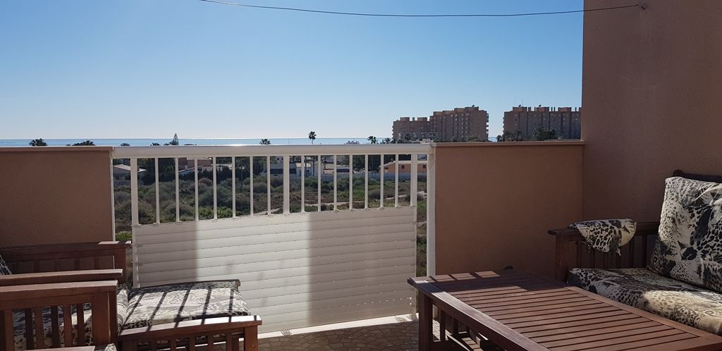 Semi-detached house with sea view in El Campello