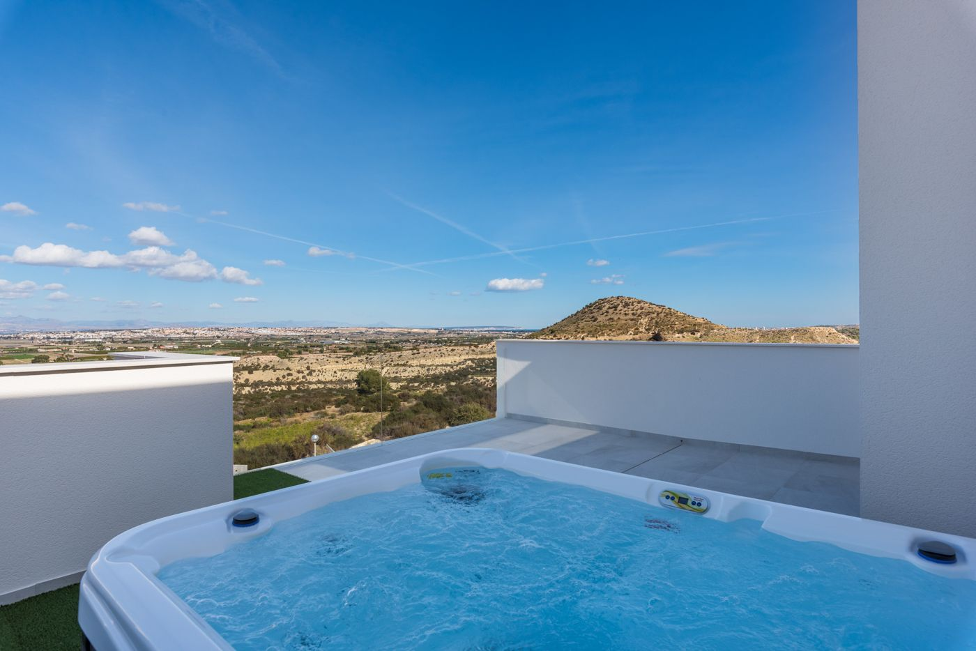Modern villa with impressive views over the skyline of Guardamar del Segura