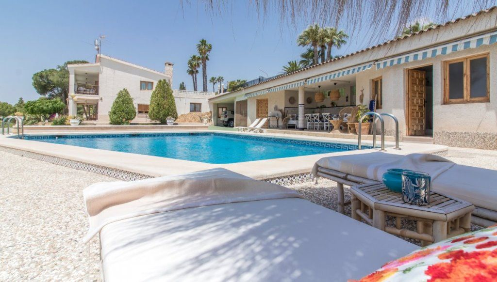 House With Great Views In Bonavista In Elche