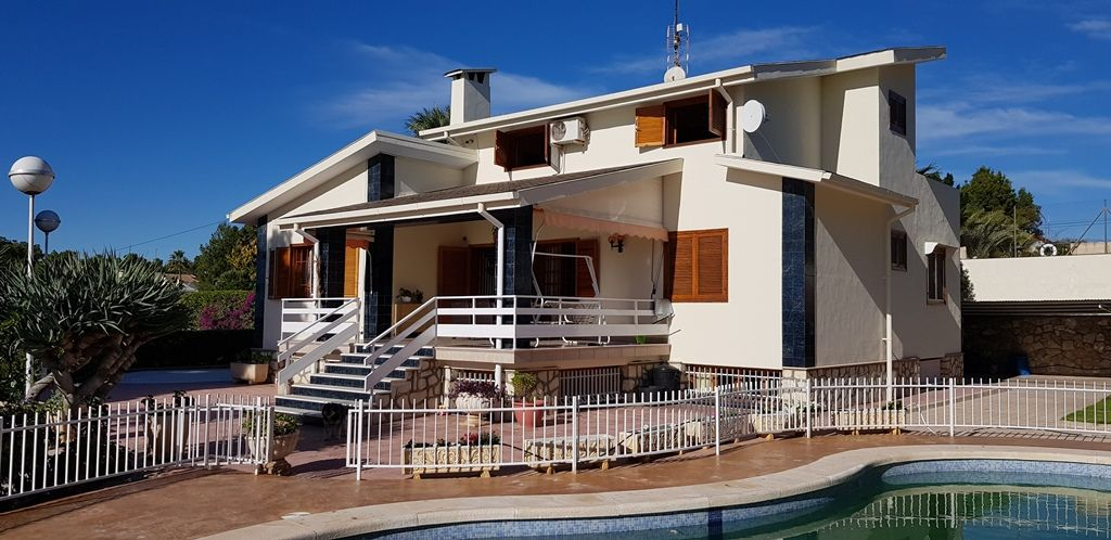 Beautiful house on the heights of Elche