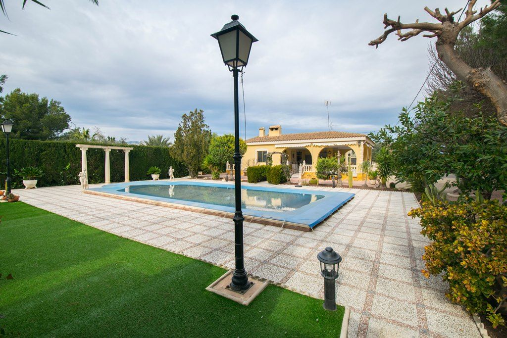 Country house Elche