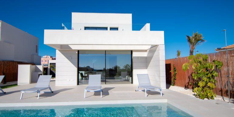 1-maison moderne-piscine-alicante