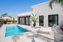 A vendre villa moderne à La Marina Alicante