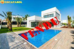 Spacieuse-villa-moderne-a-Orihuela-Costa-✅-a-vendre-en-Espagne
